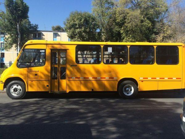 Autobús de transporte escolar y turístico