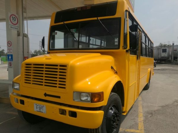 Camión para transporte escolar - GO Transportes